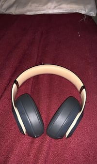 Beats studio 3 special edition  Kitchener, N2P 2J2