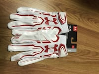 Pair of white-and-red under armour football gloves size XL Brand New Silver Spring, 20901