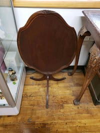 Tilt top table Allentown, 18103