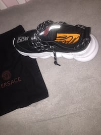Versace chain reactions (BRANDNEW NEVER WORN) Markham, L3R 4W6