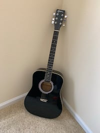 Black Acoustic Guitar with Carrying Case and Beginner's Instruction Manual College Park, 20740