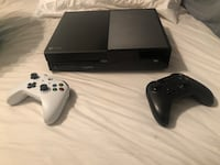 black Xbox One console with controller Edmond, 73034