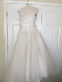 women's white sleeveless wedding gown Thurmont, 21788