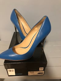 Pair of blue leather pointed-toe pumps with box Anaheim, 92806