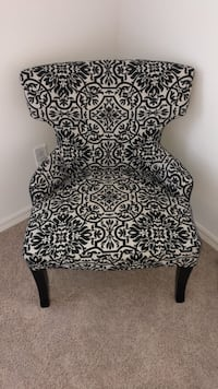 black and white floral chair Longwood, 32750