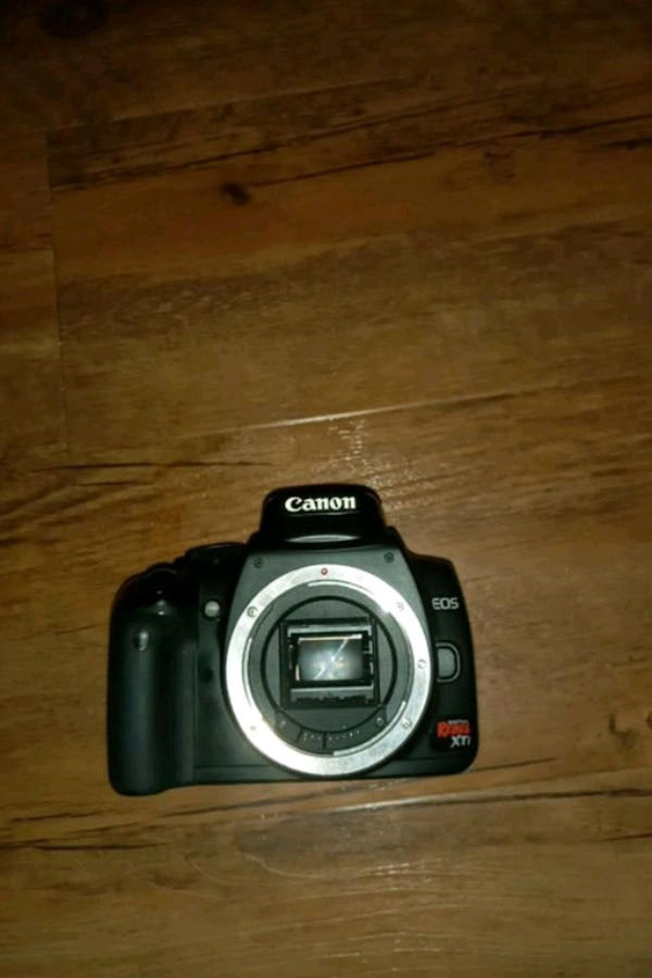 Rebel xti camera BODY ONLEY c34e6897-0f72-4923-b530-c4a4a05b813a