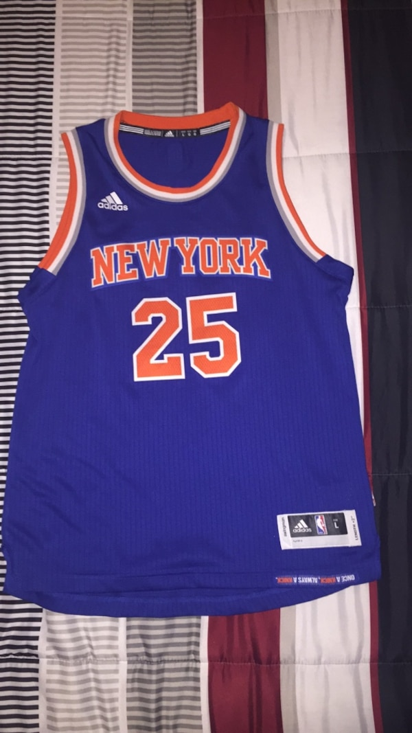 outlet store b473b 74ae7 Derrick Rose NY Knicks Jersey (YLarge)