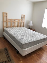 Complete queen size bed