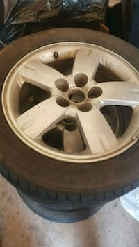 17in 5 bolt Alloy rims Pickering