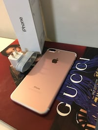 (PRICE IS FIRM) CARRIER UNLOCKED IPHONE 7+PLUS 32GB ROSE GOLD