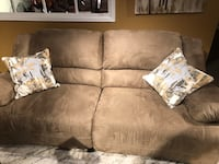 Love seat recliner like new barely used.  Colorado Springs, 80905