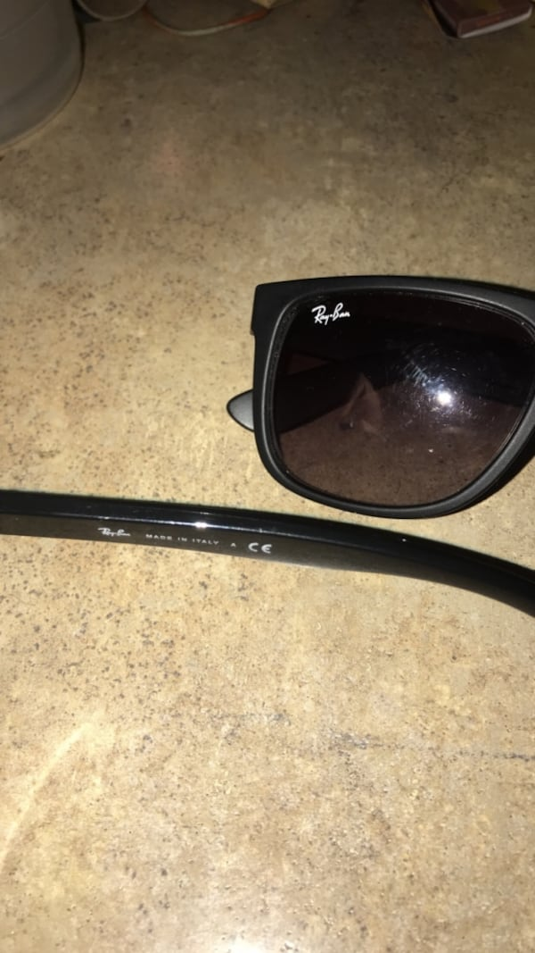 2 pairs Ray Bans 1
