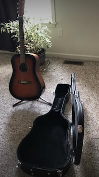Fender Acoustic Guitar, Hard Case, and Stand Manchester, 17345