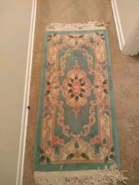 white and green floral area rug 47 km