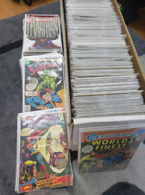 315 Lot Superman Comics 22836bda-0d2d-4997-b87c-3300fc86d52d