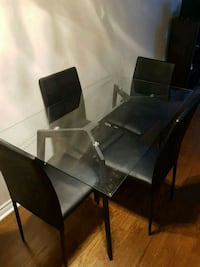 Glass table with 4 chairs  Burlington, L7M 4H8