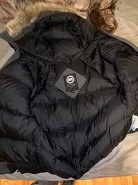 CANADA GOOSE SIZE M A VENDRE NEGO Montreal, H1S 1Y4