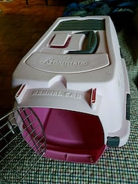 PetMate Pet Carrier Small/ Medium  Washington, 20007