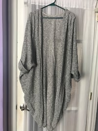 American apparel sweater for sale Mississauga, L5W 1H7