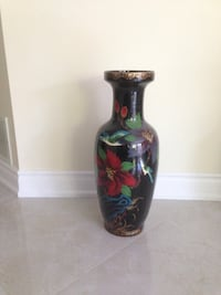black and red ceramic vase Brampton, L6W 4N3