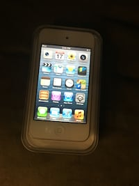 Ipod touch 4generation 16gig blanc Montreal, H1E