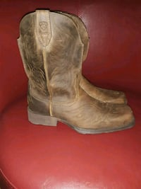 pair of brown leather cowboy boots Dickinson, 77539