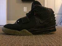 Nike Air Yeezy 2 Solar Red Sz 9.5