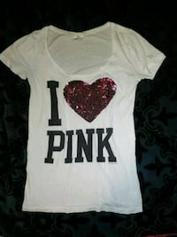 PINK tee w/sequence heart. Size Small. CUTE!! Evansville
