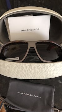 Authentic Balenciaga sunglasses. Washington, 20002