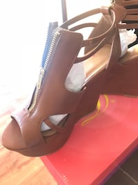 Pair of brown leather open-toe wedge shoes Caledonia, 53126