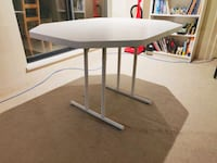 Table - Sturdy and unfoldable Vancouver, V5R 6G4