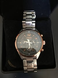 Seiko authentic watch , paid $450 at the Bay.. Serious inquires only
