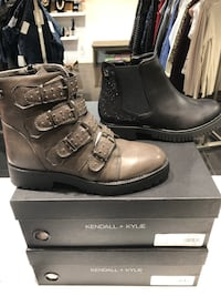 Gray leather buckle boot with box 780 km