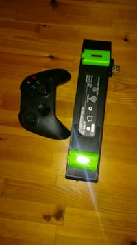 Xbox one controller remote and battery and charge Fresno, 93722