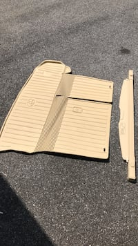 Toyota - Highlander - 2016  Original weathertech cargo floor mat  and cargo area cover Elkridge