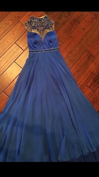 White Room Dress with Train and hook to get off the floor size 5 Smyrna, 37167