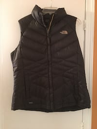 Black the north face bubble vest Women's XL Alexandria, 22307