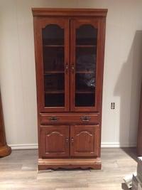 Brown wooden china cabinet Montréal, H4L