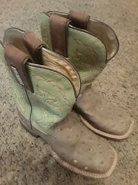 Kids Boots size 2  San Angelo, 76903
