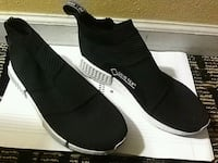 pair of black adidas low-top sneakers with box Indio, 92201