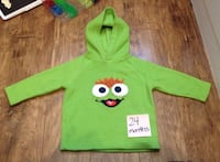 green and yellow owl print sweater Winnipeg, R2L 1H3