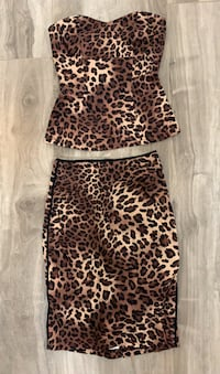 Le Chateau matching leopard print top and skirt