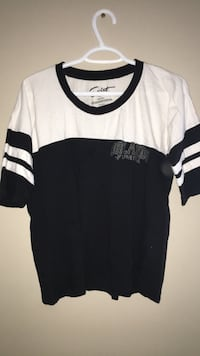 white and black crew-neck shirt Calgary, T3K 0J8