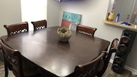 Brown wooden dining table set Baltimore, 21201