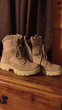 Pair of brown work boots size 7 1/2 Alpena, 49707