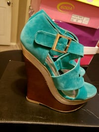 Emerald green wedges size 6 Mission, 78572