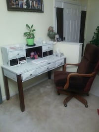 white and black wooden desk Palm Bay, 32907