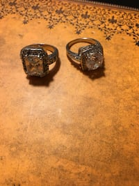 Beautiful silver rings. Size 5/6 Mississauga, L5M 6G5