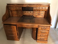 Brown wooden roll-top desk Alexandria, 22303