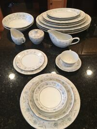 English Garden Fine China. Over 200 pieces Ashburn, 20148